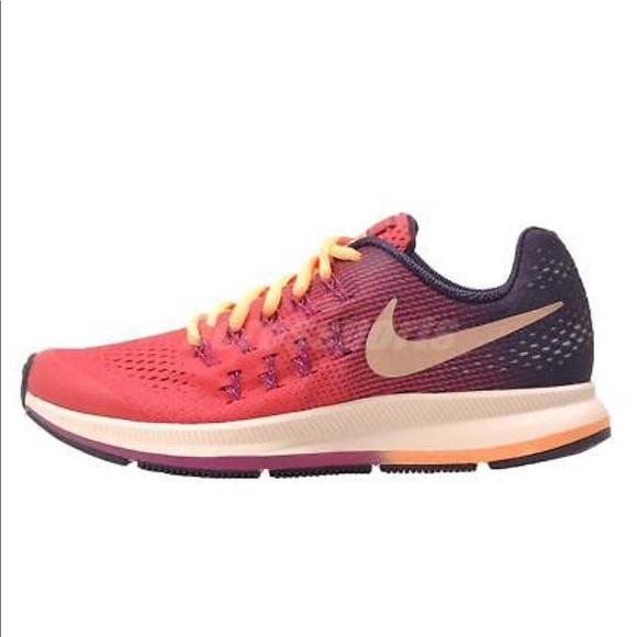 89b545b28641 Nike Air Zoom Pegasus 33 Girl Running Shoes. M 5b42d643df03076b9b66e1cd